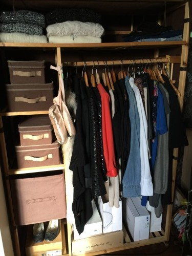 Armoire capsule wardrobe winter