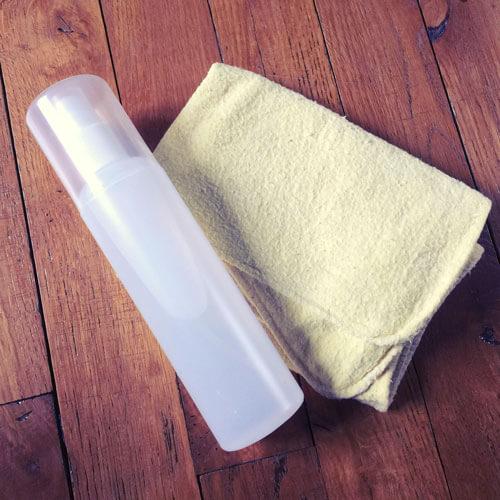 Spray anti-poussières naturel et zéro déchet