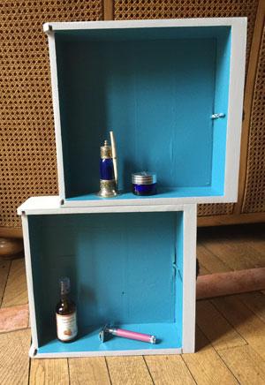 Etagère pour salle de bains avec des tiroirs