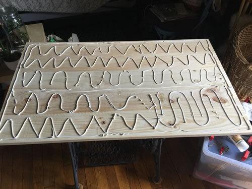 DIY bureau : encoller 2 plateaux