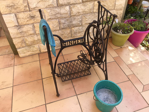 Upcycling : laver machine à coudre Singer