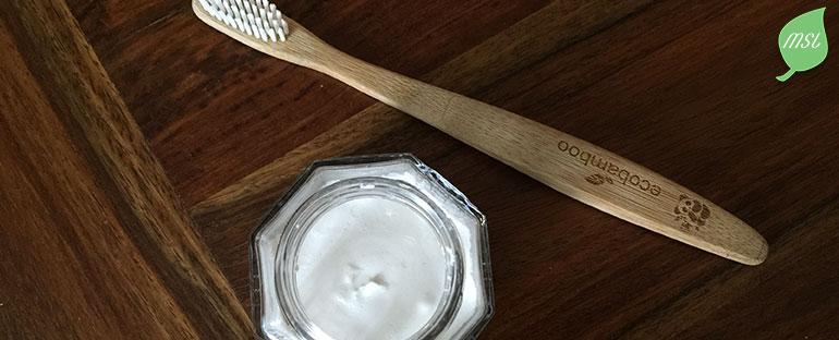 Recette de dentifrice naturel, zéro déchet et contre la sensibilité dentaire